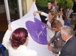 Zur Hochzeit-Hochzeitsherz ausschneiden-durchs Herz springen- DJ Mario Schulz